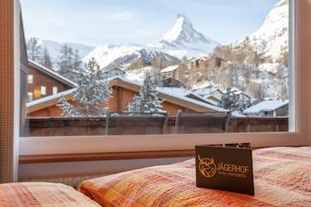 Modern Alpine Room with Matterhorn View