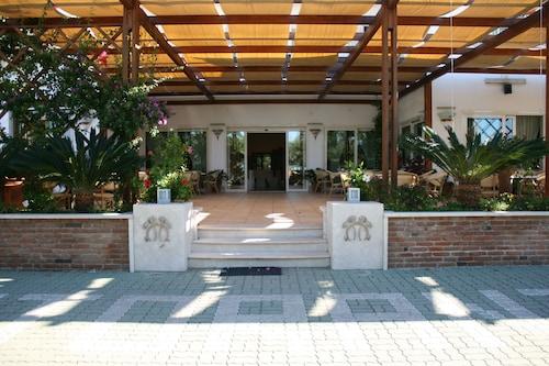 __{offers.Best_flights}__ Mandetta Hotel