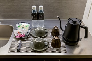 ROPPONGI HOTEL S Coffee and/or Coffee Maker