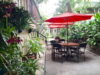 Orchid Garden Suites Manila Terrace/Patio