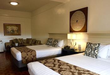 Orchid Garden Suites Manila Guestroom