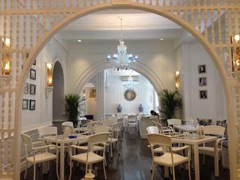 Orchid Garden Suites Manila Cafe