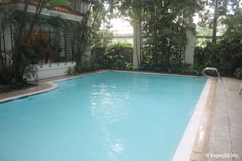 Orchid Garden Suites Manila Outdoor Pool