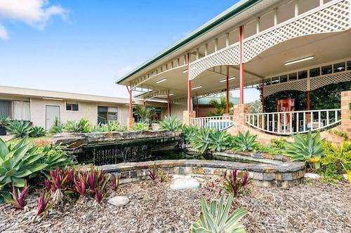 . Comfort Hotel Parklands Calliope