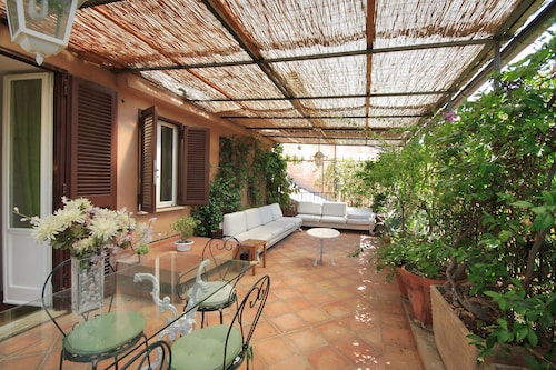 . Gambero Apartments
