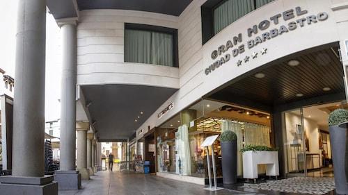 . Grand Hotel Ciudad De Barbastro