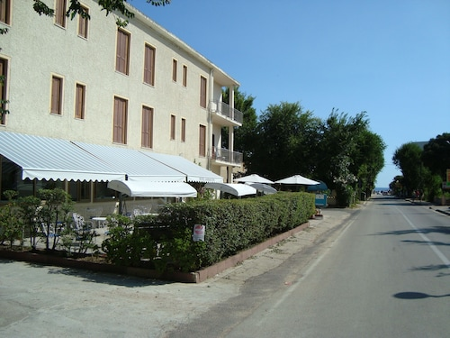 . Hotel Sandalyon