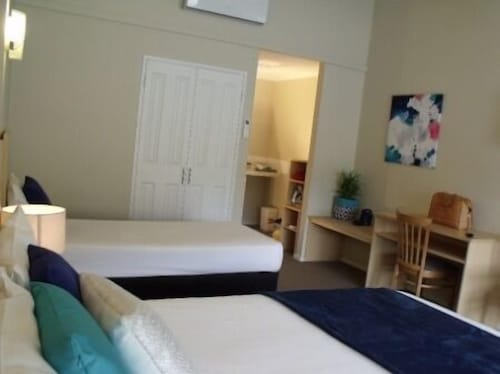 SIX DEGREES ALBANY CBD BOUTIQUE HOTEL, Albany