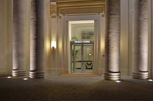 Neapol - Hotel Palazzo Esedra - z Warszawy, 30 kwietnia 2021, 3 noce