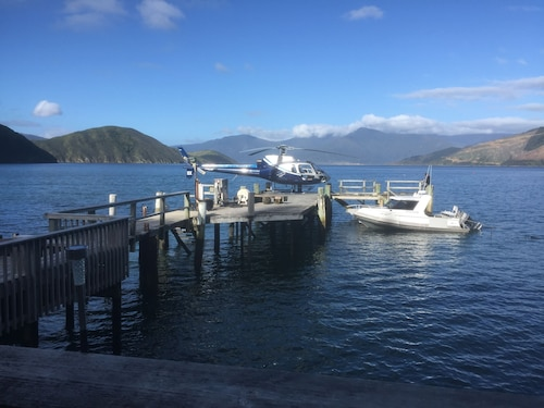 . The Lodge At Te Rawa - Boat Access Only
