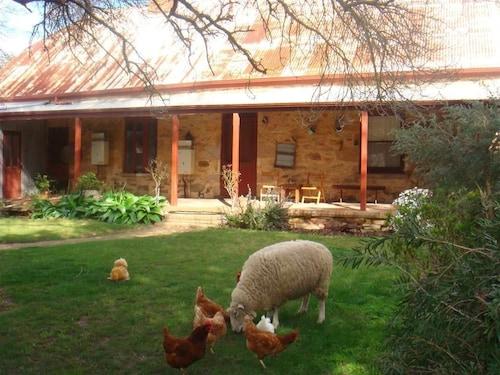 Liebelt House, Mount Barker  - Central