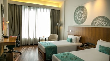 Superior Room, 2 Twin Beds, City View (OMR View)