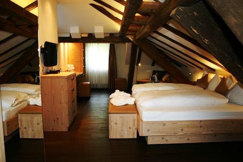 . Gasthaus zur Waldegg, BW Signature Collection