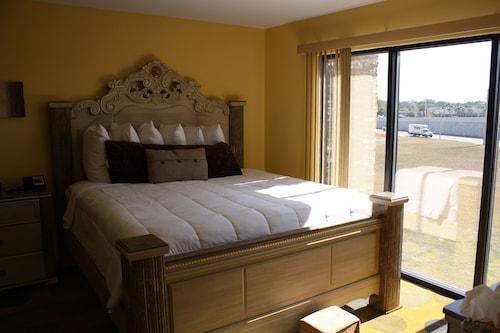 __{offers.Best_flights}__ Marble Waters Hotel & Suites