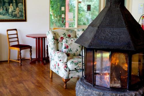 Sanctuary House Resort Motel, Yarra Ranges - North