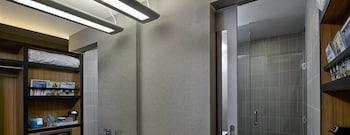 Aloft Tulsa Downtown - Bathroom  - #0
