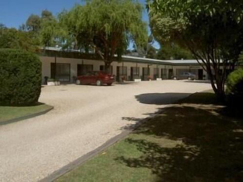 Yea Motel, Murrindindi - West