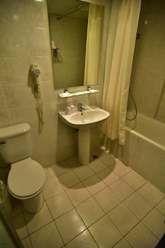 SLV Hotel Group - SLV Business Hotel - Bathroom  - #0