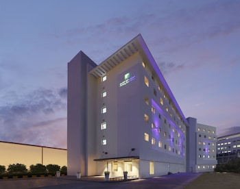 Hotel - Holiday Inn Express Bengaluru Whitefield Itpl