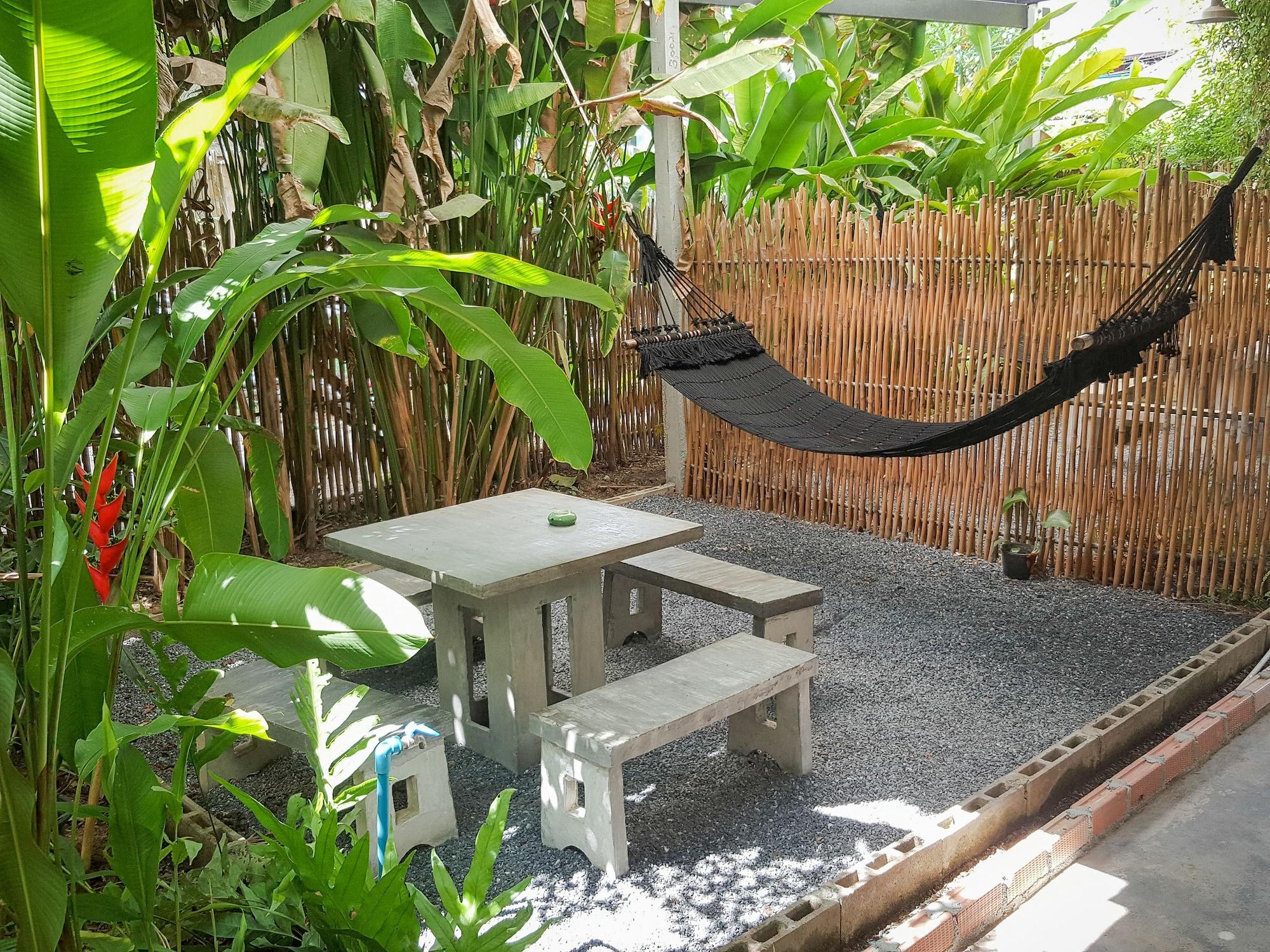 Glur Hostel, Muang Krabi