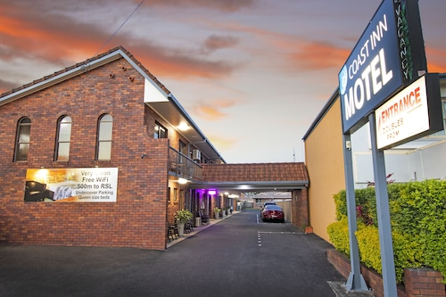 . Coast Inn Motel