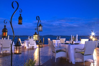 Huma Island Resort & Spa Coron Dining