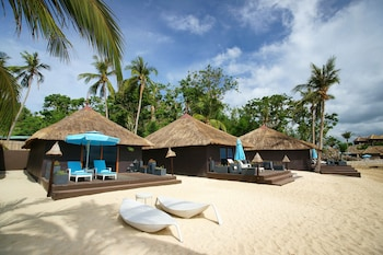 Huma Island Resort & Spa Coron Beach