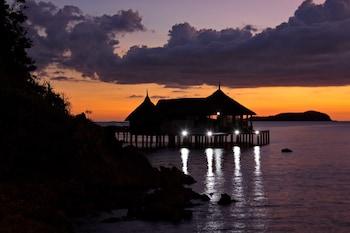 Huma Island Resort & Spa Coron Exterior