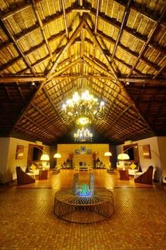 Huma Island Resort & Spa Coron Lobby