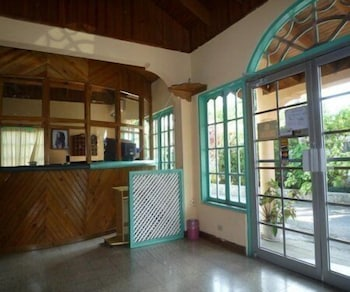 퓨어 가든 리조트 네그릴(Pure Garden Resort Negril) Hotel Image 12 - Interior Entrance