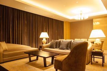 Suite, Multiple Beds (Embassador)