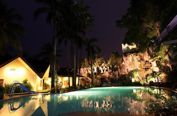 Hotel - Makassar Golden Hotel