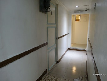 Gaius Pension Inn Manila Hallway