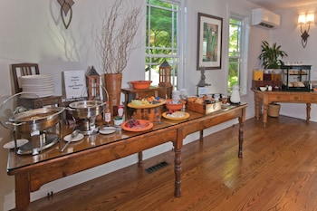 Wine Country Inn & Cottages - Breakfast Area  - #0