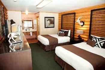 Deluxe Room, 2 Queen Beds (No Pets Allowed)
