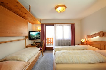 Standard Double Room, Balcony, Mountain View