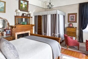 Classic Room, 1 Queen Bed (Katie)