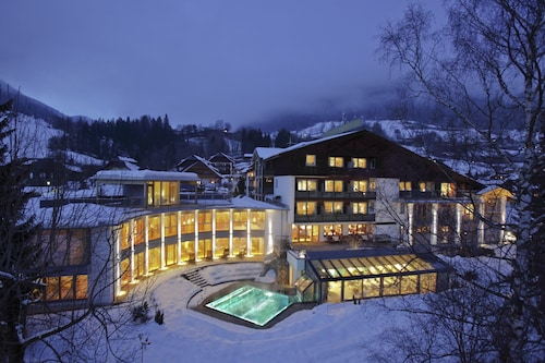 __{offers.Best_flights}__ Hotel Eschenhof