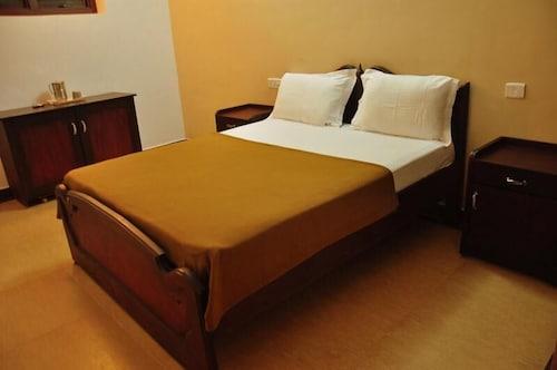 . Hotel Holiday Break