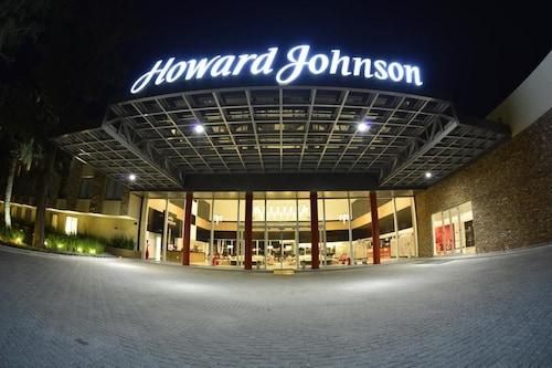 . Howard Johnson by Wyndham Lujan Resort Spa & Conv. Center