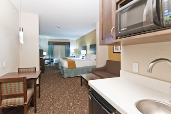 Deluxe Suite, Multiple Beds, Accessible, Bathtub (Hearing)
