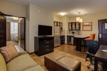 Room, 1 King Bed, Accessible, Kitchen (Roll-in Shower)