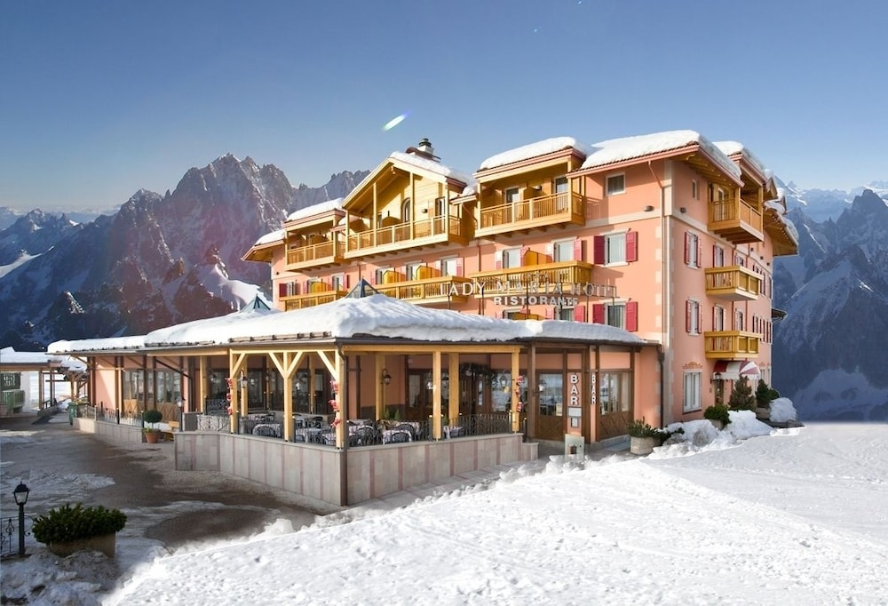 Lady Maria Hotel & Resort