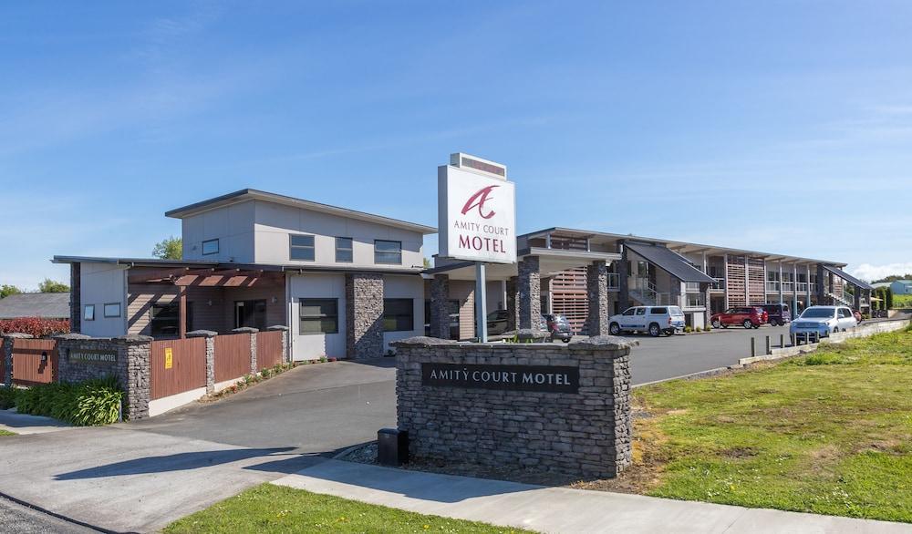 Amity Court Motel