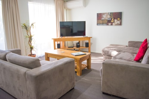 Beachside Holiday Apartments, Port Macquarie-Hastings - Pt A