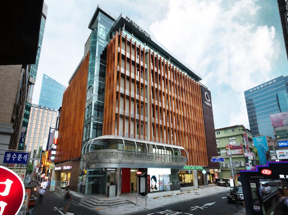 メトロ ホテル