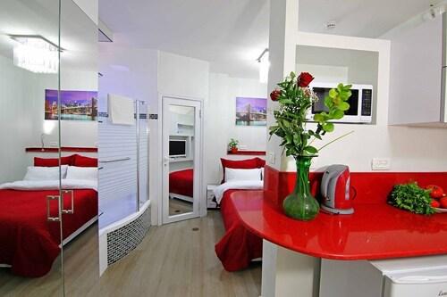 Sea Plaza Residence,