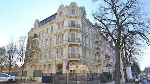 . Hotel Silesia