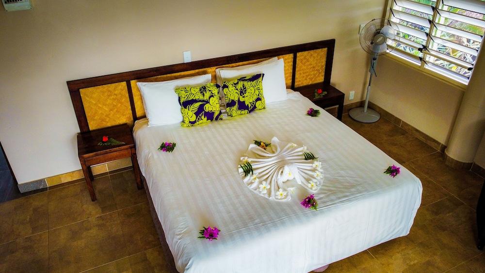 https://i.travelapi.com/hotels/7000000/6390000/6389500/6389416/d70dc27a_z.jpg