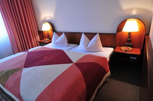 . Hotel Luginsland